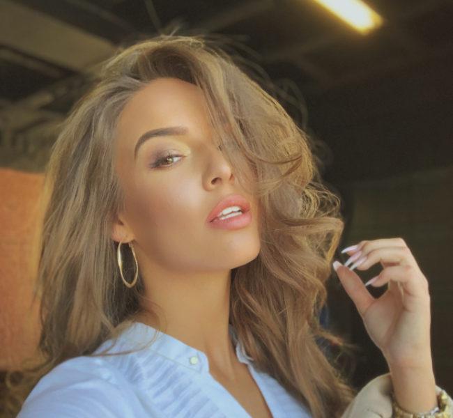 Veronika J. 2 Daniela Models Group